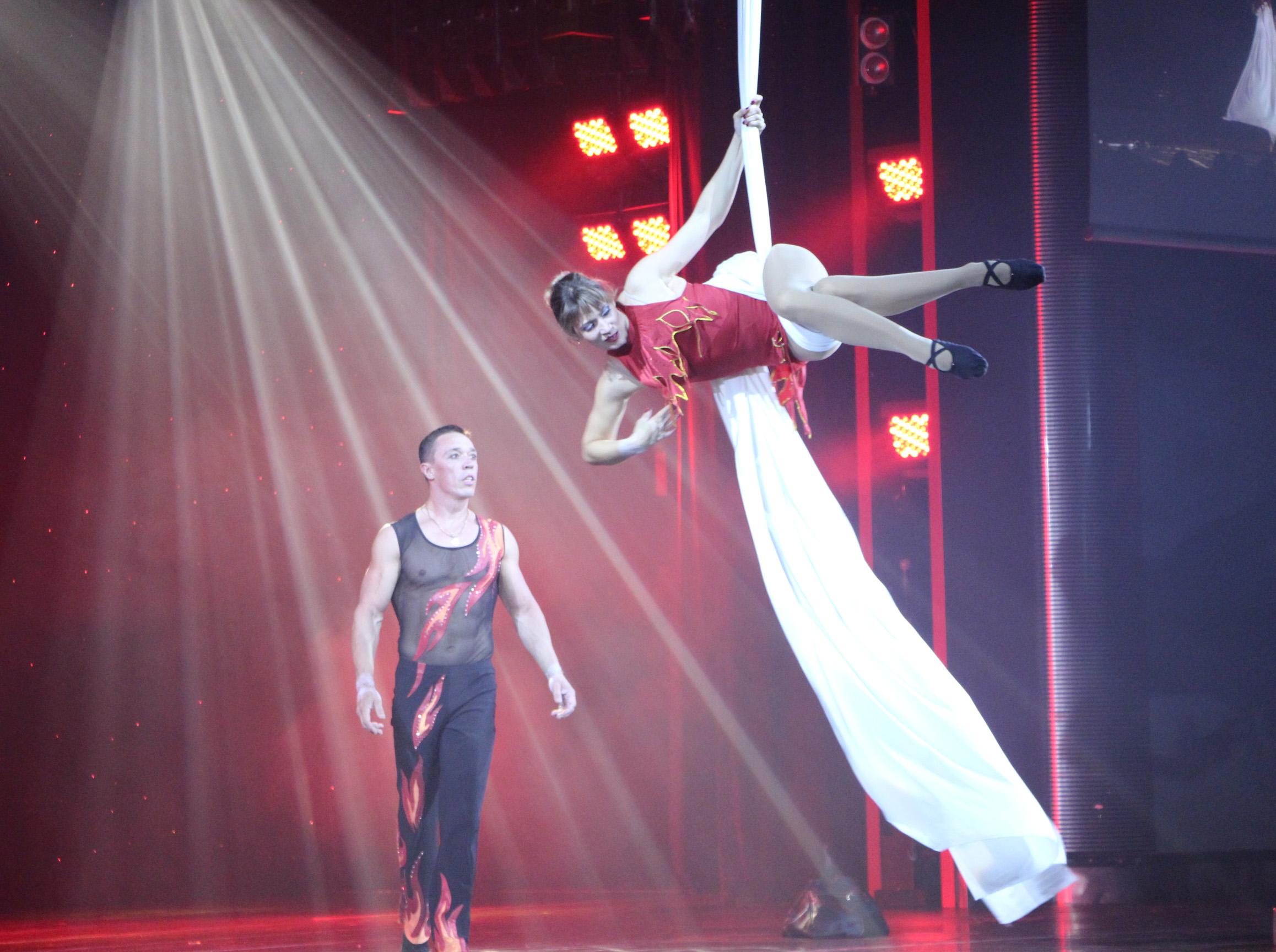 Aerial acrobats on the silks