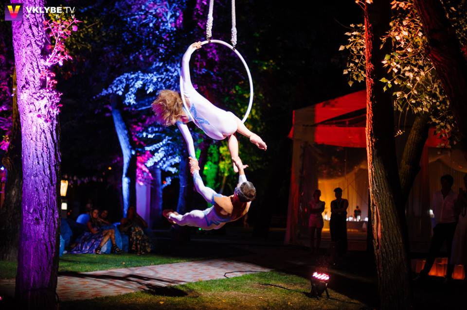 variety performers Aniskin - aerial gymnasts on the hoop act