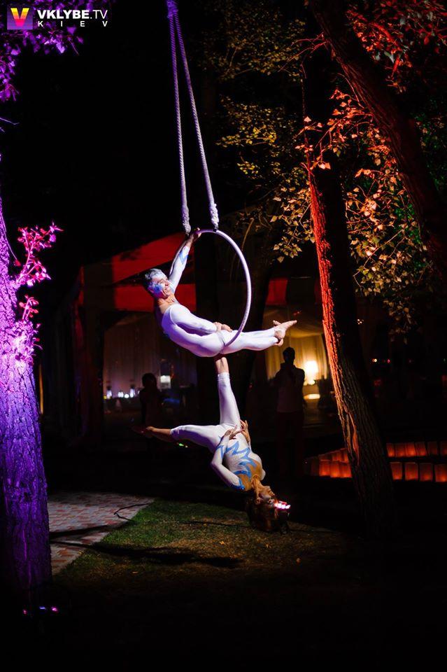 aerial hoop duo - circus performers Aniskin