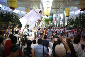 aerial_silks_performance_opening_international_center_Mega_Park