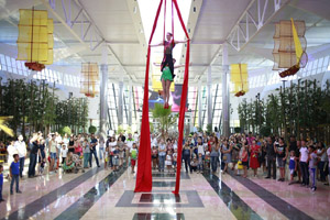 opening_Mega_Park_center_aerial_silks_performance