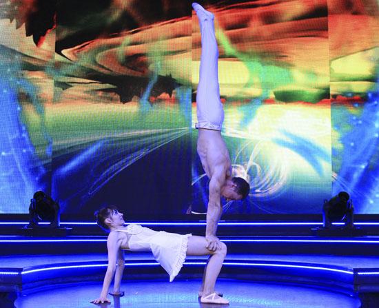circus acrobatic duet