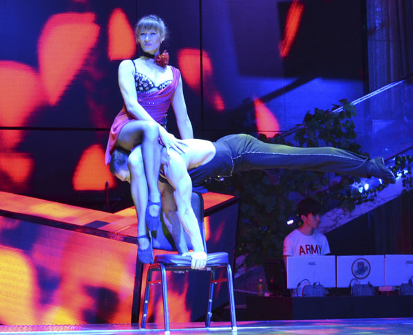 acrobatics show on the chair artists of duet primavera