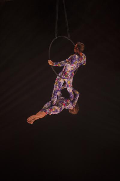 duo hoop aerial duet