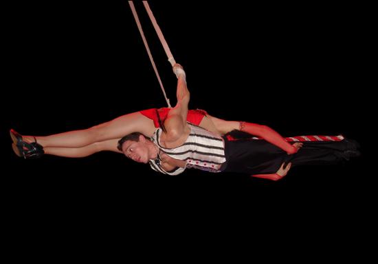 aerial straps tango act